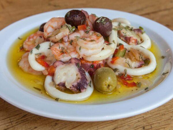 Zeevruchten salade salpicon tapa