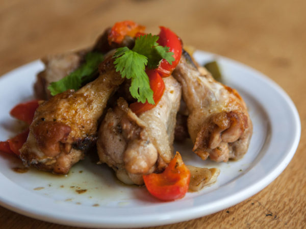 kip in knoflook tapa pollo ajillo